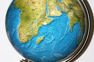 Aitan õpilasi geograafia ülesannetega